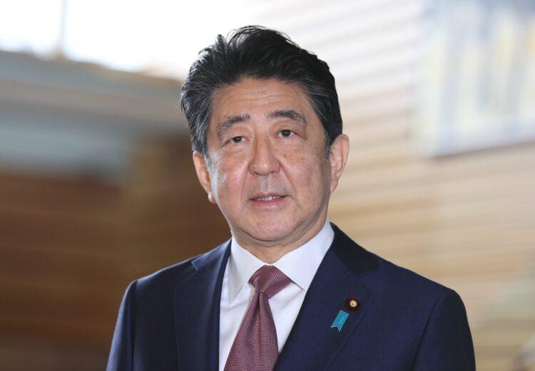 コロナ対策の失敗は安倍晋三・前首相から始まった(時事通信フォト)