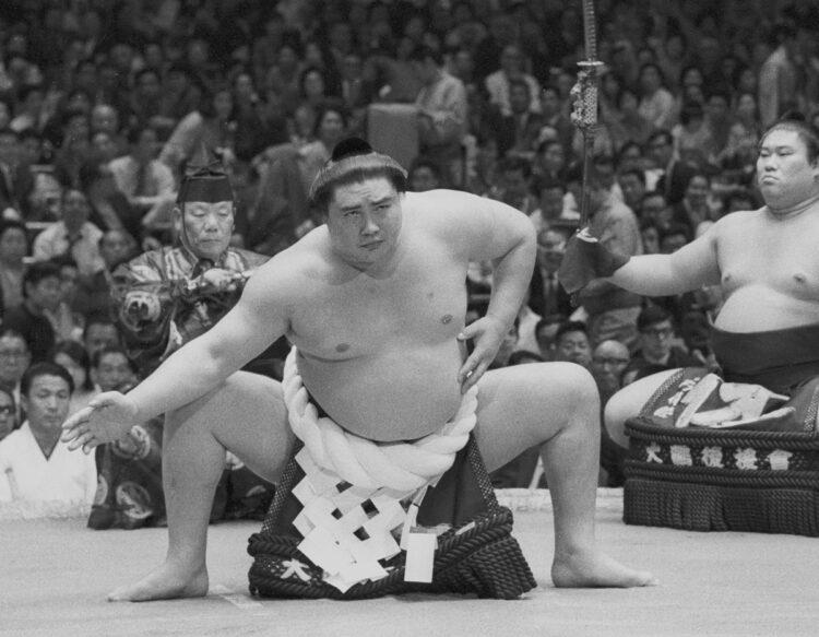 大鵬は大横綱になっても慢心せず、気を遣う人だったという(写真/共同通信社)