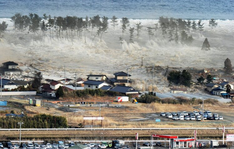 東日本大震災時には最大16.7mの津波が押し寄せた(共同通信社)