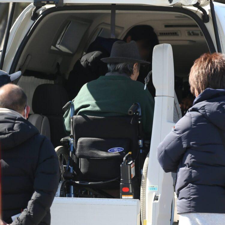 車椅子のまま乗り込んでいくシーンも