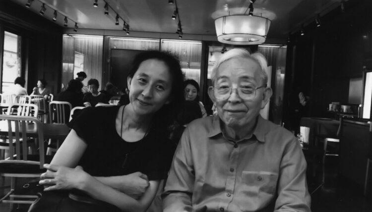長女・南高まりさん(左)と長谷川和夫氏