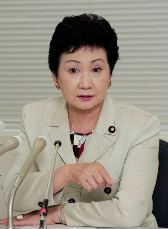 1986年に参議院議員となった小野清子氏(時事通信フォト)