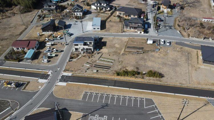 走行中の電車が津波に襲われた宮城県の旧野蒜駅付近は新しい町に生まれ変わった。