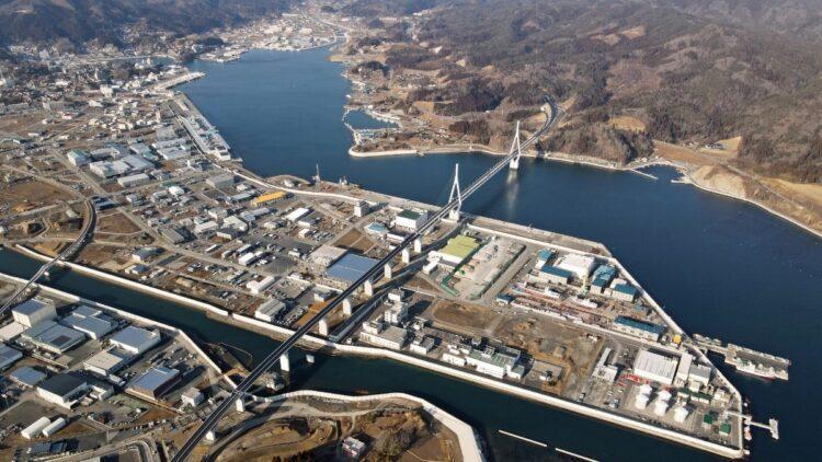 宮城県気仙沼市では港湾が再建された。