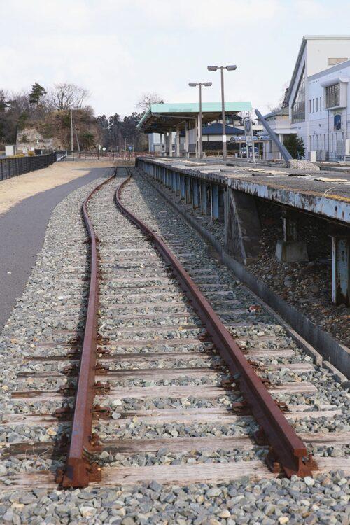 「線路のレールも押し曲げた大津波の脅威」/旧野蒜駅(宮城・東松島市)