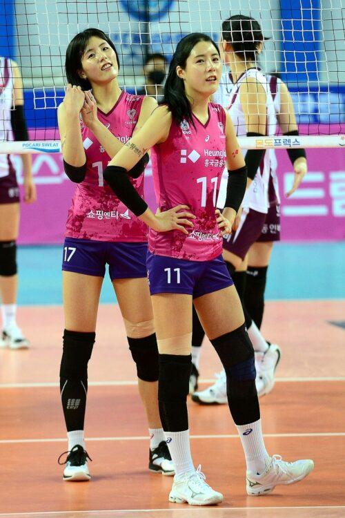 壮絶ないじめを暴露されたバレーボール女子韓国代表選手・イ・ジェヨンとダヨン姉妹(写真/AFP=時事)