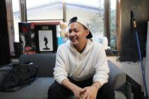 家族について語る際は時折笑顔も見せた花田優一氏