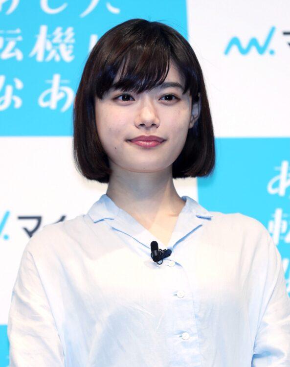 杉咲花主演『おちょやん』ではなぜか重要な場面でよく「ヤクザ」が…(時事通信フォト)
