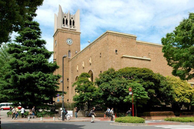 大学入試でも大きく志願者数を減らした早稲田(時事通信フォト)