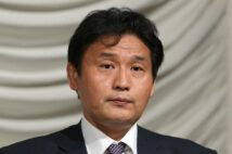 貴乃花も2001年7月~2002年7月の間、7場所連続で全休した(時事通信フォト)