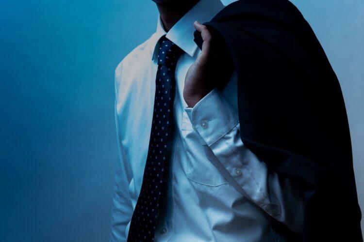 「男らしさの罠」に苦悩する男性は少なくない(イメージ)