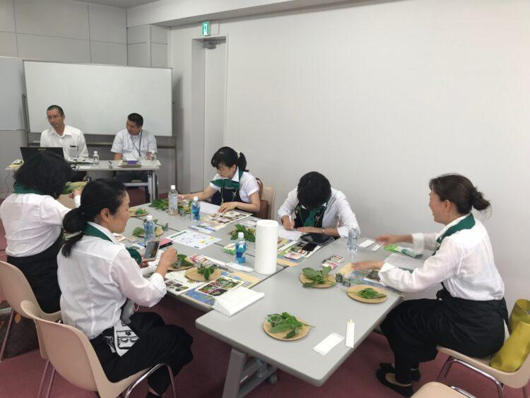 セミナーでは、クレソンの栄養に関する知識や選び方、正しい保存方法、調理方法による味の変化を学び、講師おすすめのレシピも教えてもらえる