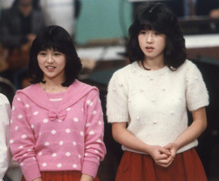 小泉今日子(左)と中森明菜(右)