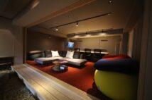 和多屋別荘でイノベーションパートナーズが提供しているシェアオフィス兼貸し会議室。ワーケーション利用者であれば、無料で会議利用などが可能(要予約)