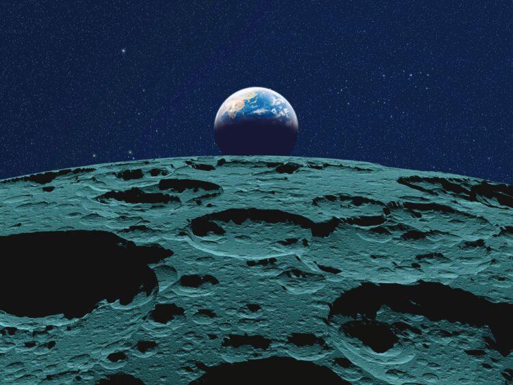 宇宙から見た地球(写真/AFLO)