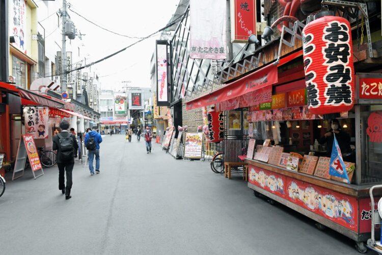 閑散とする大阪の街