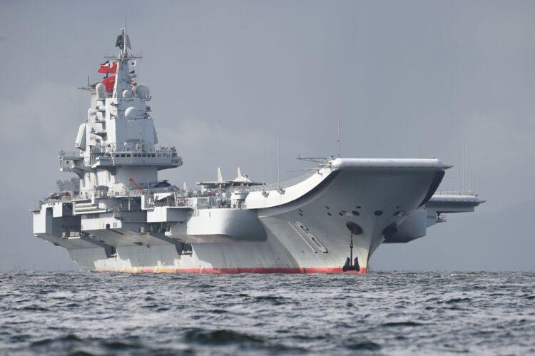 中国の空母・遼寧(写真/AFP=時事)