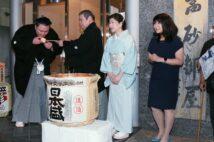 高砂部屋(写真左は大関・朝乃山/時事通信フォト)