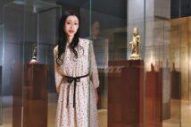 法隆寺宝物館第2室(金銅仏・光背・押出仏)にて。仏像が浮き上がるように照明が工夫され、厳かな空間で仏像と一対一の対話ができる