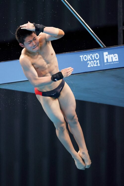 玉井陸斗(飛び込み・男子高飛び込み/時事通信フォト)