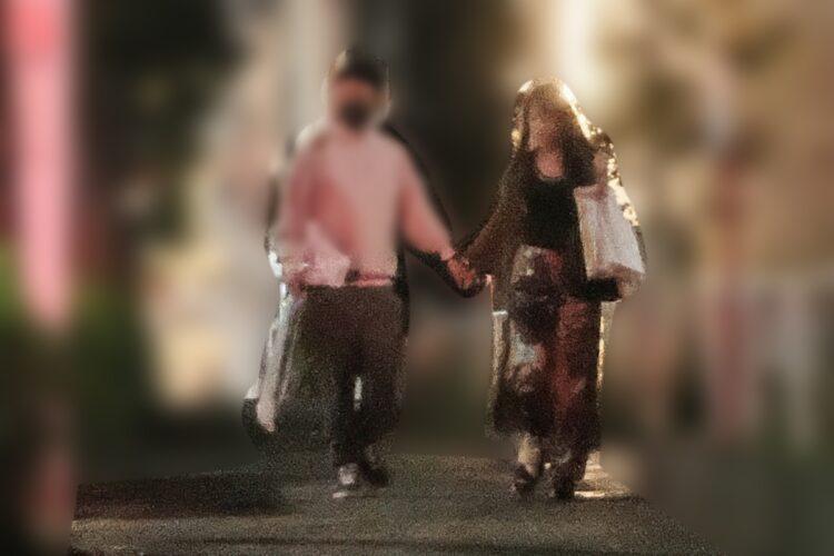 手をつないで堂々と歩く鷲見玲奈アナと彼