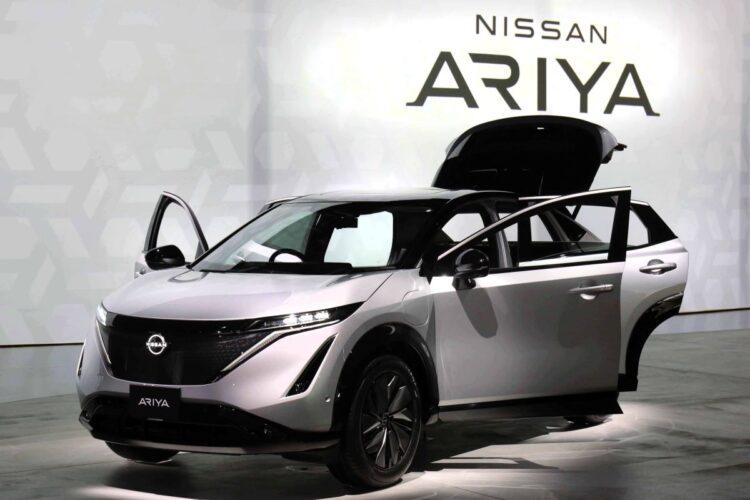 今年発売が予定されている日産の新型電気自動車「アリア」(時事通信フォト)
