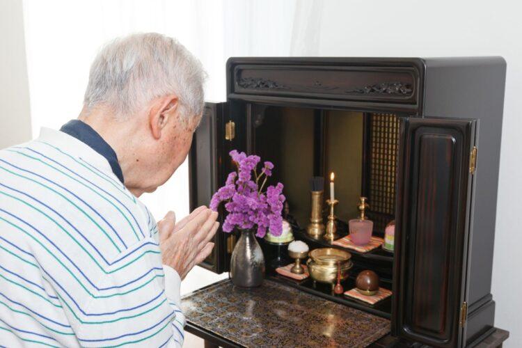 「墓じまい」と共に「仏壇じまい」の相談も急増しているという(写真はイメージ)