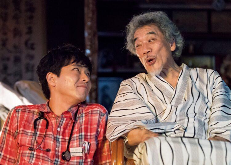 日本映画のじわりと染み入る「辞世の言葉」を紹介。写真は『痛くない死に方』(2021年、渋谷プロダクション)/(C)「痛くない死に方」製作委員会