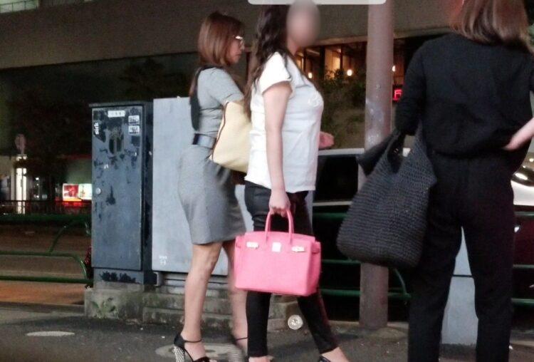 エレガントな私服姿も見せた深田恭子(2019年)