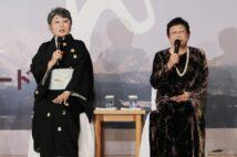 泉ピン子さんは橋田壽賀子さんを「ママ」と慕っていた(映画『おしん』製作発表にて/時事通信フォト)