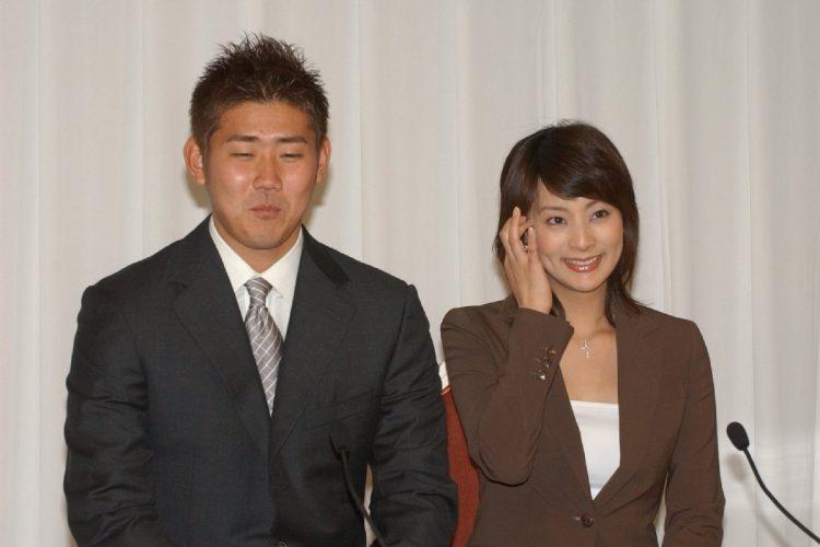 かつてはプロ野球選手と女子アナの結婚が相次いでいたが…(2004年には松坂大輔と柴田倫世アナが結婚。時事通信フォト)