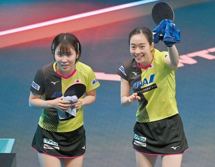 3度目の五輪で初のシングルのメダルを目指す石川佳純選手(右)と、初出場の平野美宇選手(写真/AFLO)
