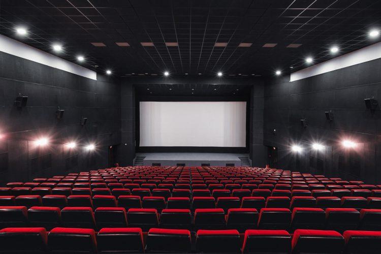 映画館はどうか
