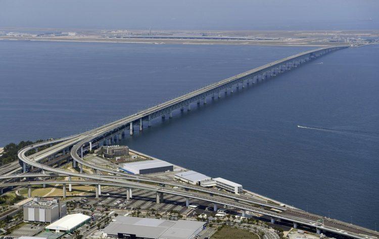 関西空港の連絡橋(写真/共同通信社)