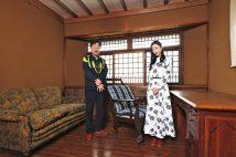 西館(旧柳宗悦邸)2階の書斎。柳自身が設計に携わった自邸は純和風の外観ながら、書斎の出窓などに洋風の要素も採用している