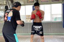 教員として、ボクシング部を指導しながら五輪出場を目指してきた田中亮明(写真/本人提供)