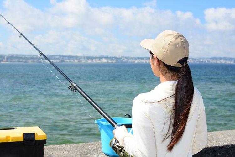 釣りブームに一役買っている「釣りガール」たち(写真はイメージ)
