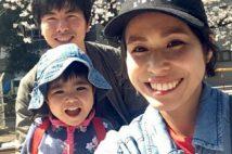 松永さんと妻・真菜さん、長女・莉子ちゃんとの幸せだった日の写真。(松永さん提供)