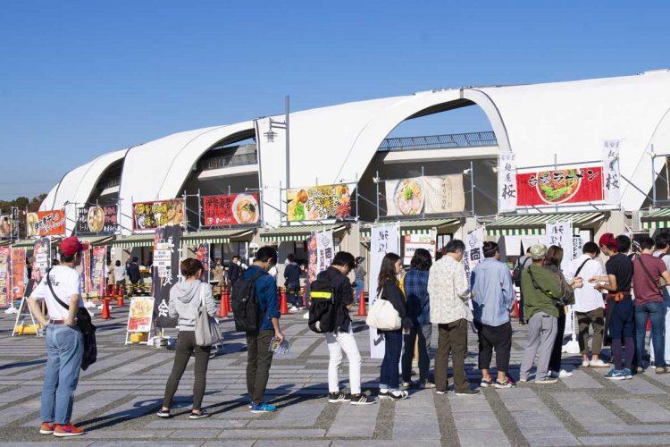 例年10月下旬に開催される「東京ラーメンショー」(例年は中止、今年は未定)には、全国屈指の名店の味を求めて多くの人が集まる