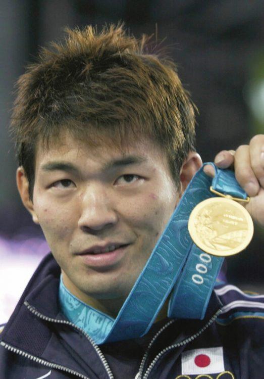 シドニー五輪で金メダルを獲得した瀧本誠(時事通信フォト)