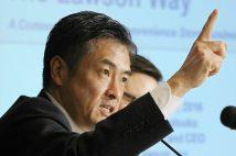 ロッテHD社長に就任した玉塚元一氏(写真は2016年のローソン社長時代/時事通信フォト)