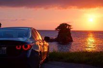 駿河湾に沈む夕日をバックに(スカイライン400R)
