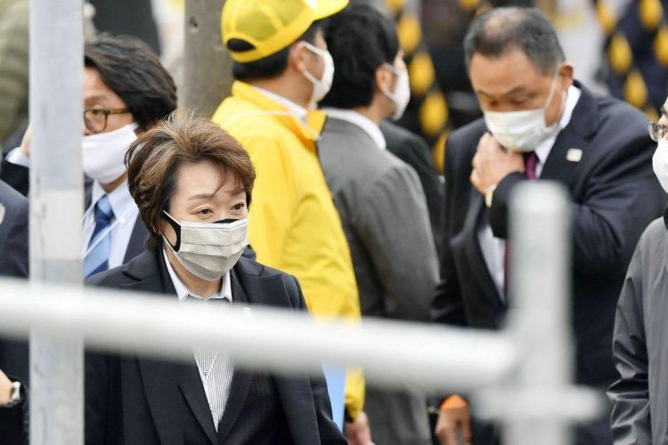 5月に行われた五輪マラソンのテスト大会視察で札幌を訪れた橋本聖子・五輪組織委員会会長(時事通信フォト)