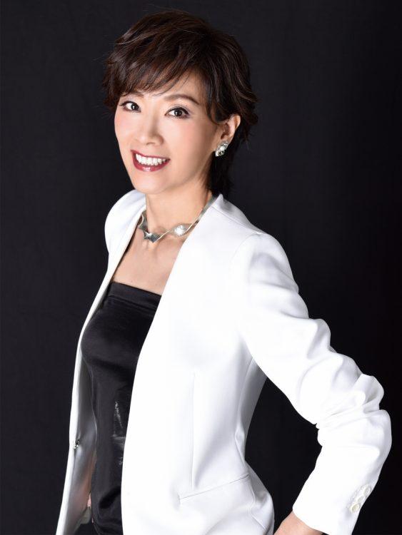 元宝塚女優・真琴つばさの美肌の秘訣とは?