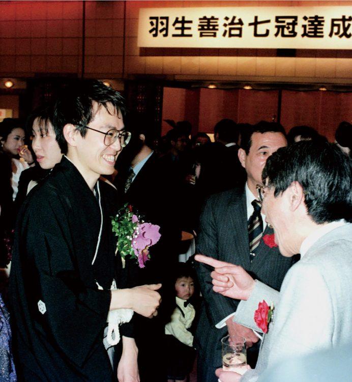 1996年に史上初となる七冠を達成した(写真/共同通信社)