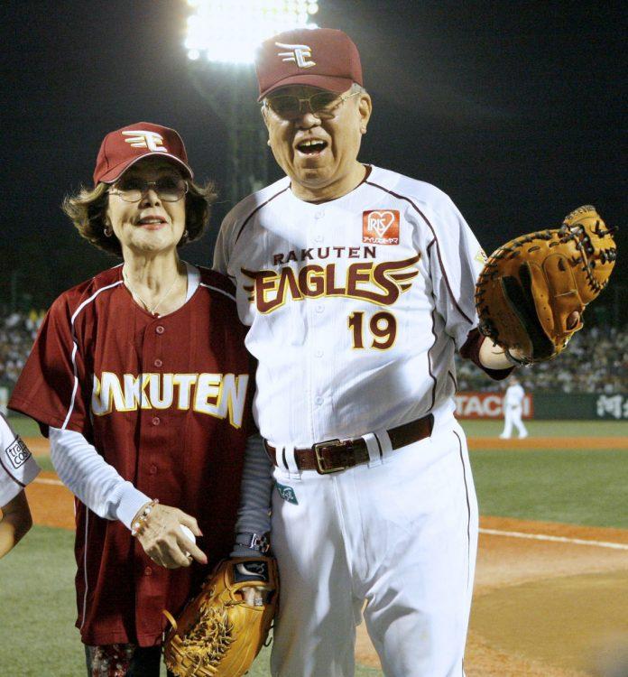 「生まれ変わっても沙知代と結婚したい」と語っていた野村克也さん(写真/共同通信社)