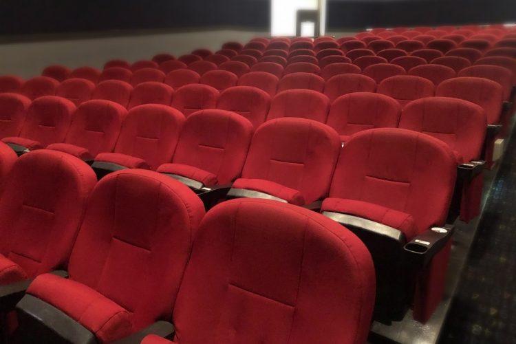 上映が長時間におよぶ映画にも影響