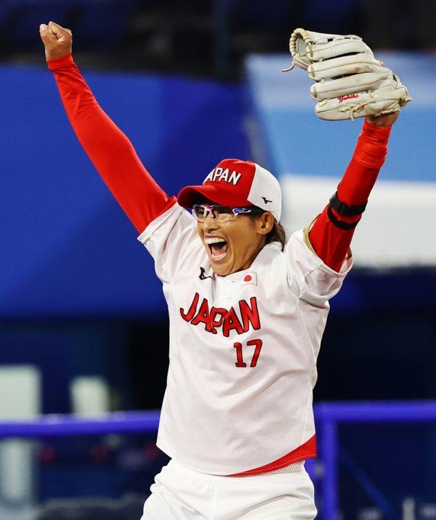 喜んだ上野選手