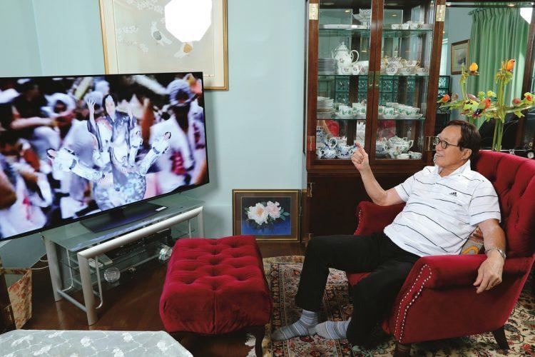 テレビの買い替えをきっかけにYouTubeを頻繫に見るようになった釜本邦茂氏
