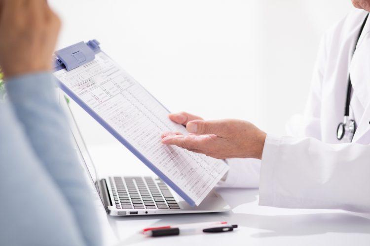 患者が治療や服薬について積極的に理解しようとする姿勢が大切(イメージ)